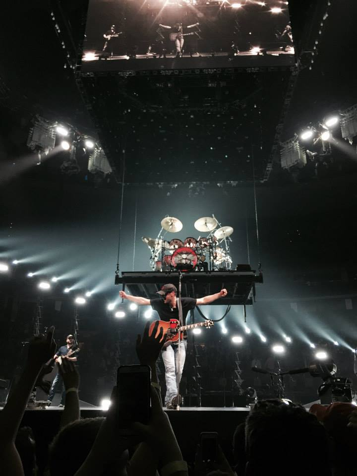 eric church brings world tour to boston s td garden new england country music