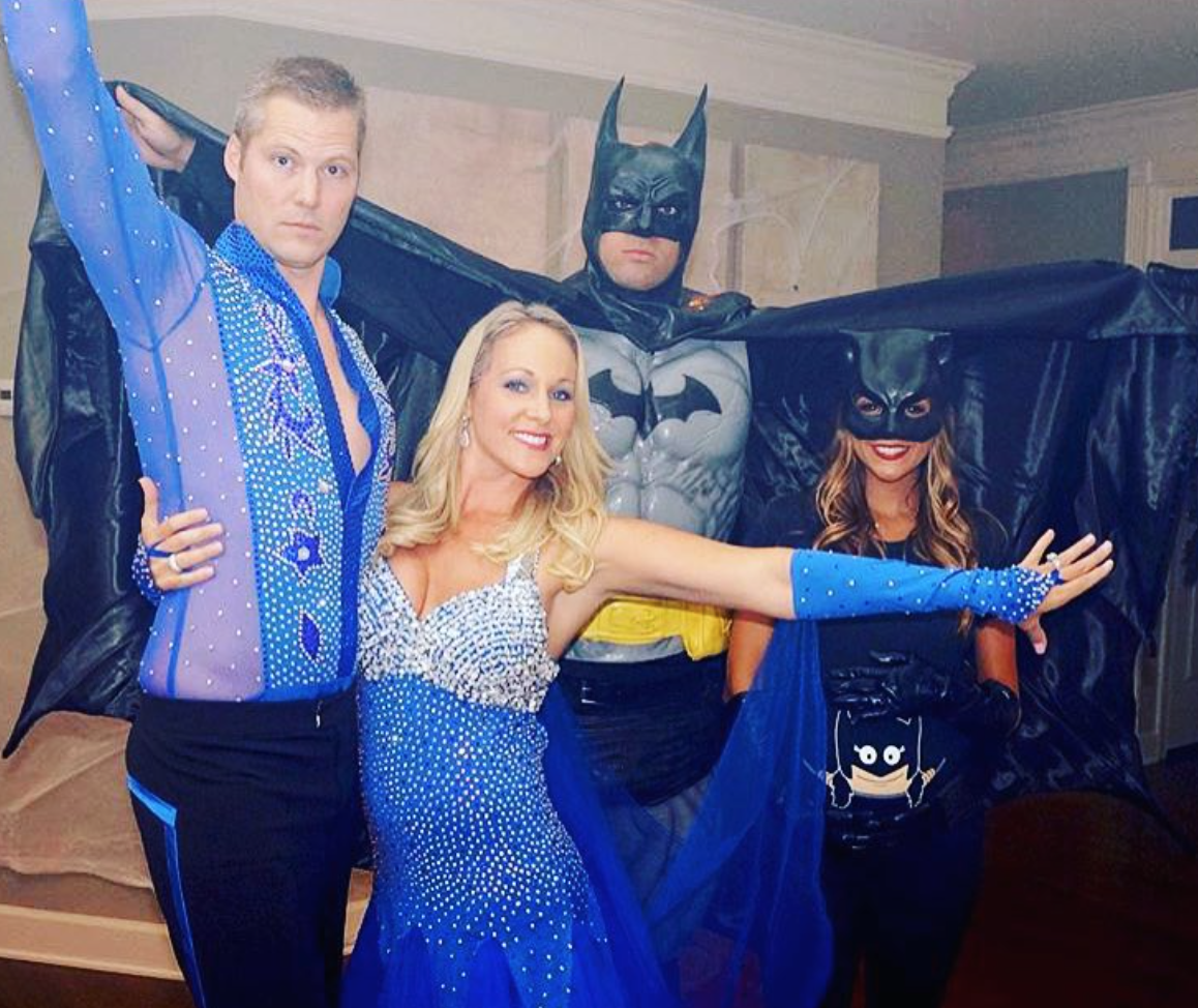 Jana Kramer And Her Baby Bump Dressed Up As Cat Woman